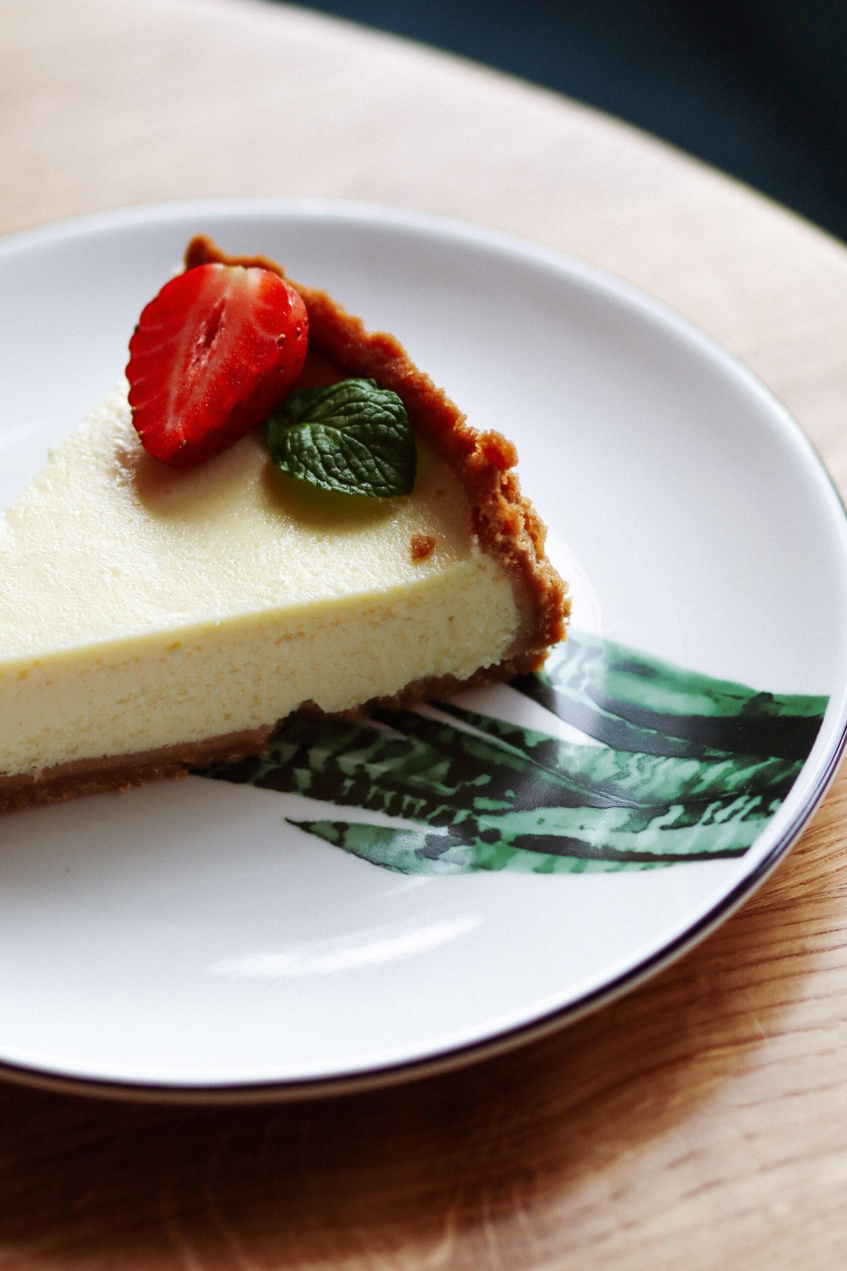 cheesecake taisiia-shestopal-4o78jEII3nU-unsplash